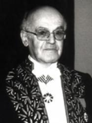 José Cabanis en habit d'académicien