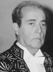 Jean-Louis Curtis en habit d'académicien