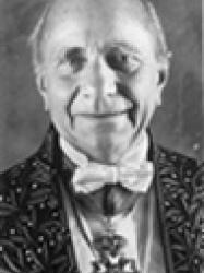 Georges Duby en habit d'académicien