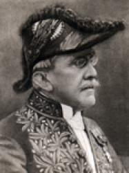 Henri Robert en habit d'académicien et bicorne