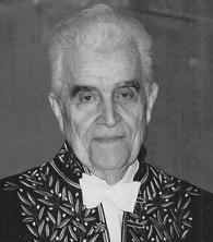René Girard en habit d'académicien
