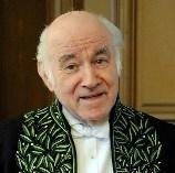 Pierre Rosenberg en habit d'académicien